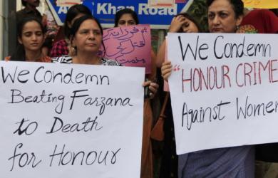 Dự thảo luật chồng được phép đánh vợ vì từ chối ân ái tại Pakistan
