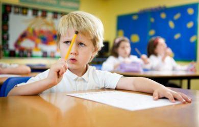 Với trẻ kém tập trung, phụ huynh cần làm gì để giúp con?